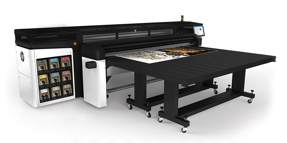 large format printers – The HP Latex R2000 printer: introducing the only true hybrid solution, equally strong in both rigid and flexible.