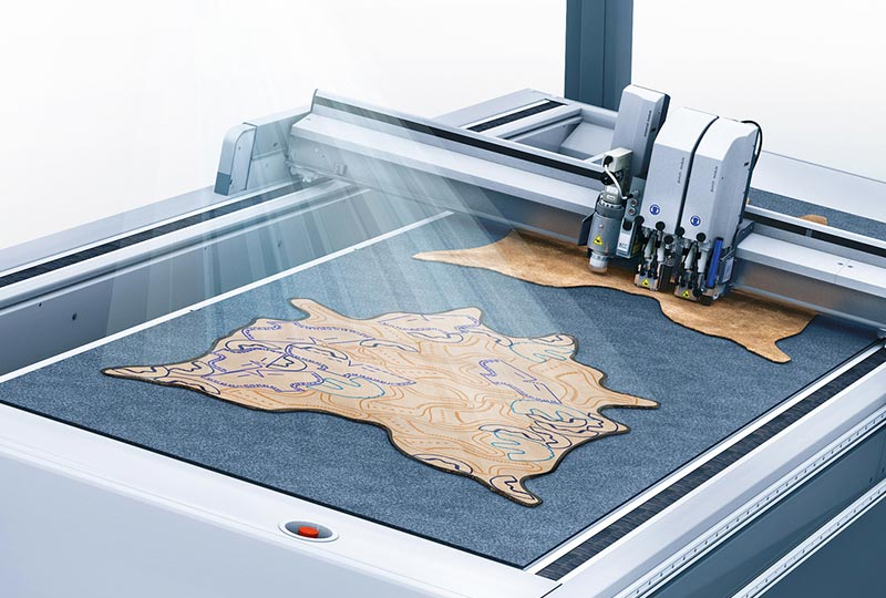 leather cutting – Projection system of the Zünd L3 digital cutter.
