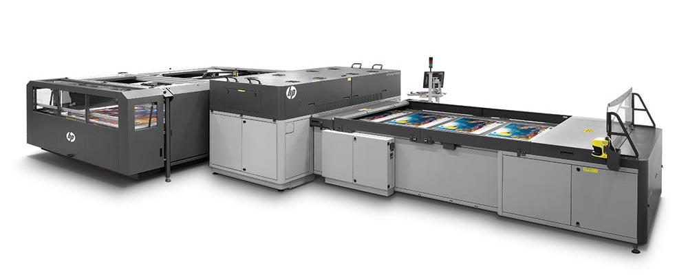 high-speed printing – HP Scitex FB7600 industrial press.