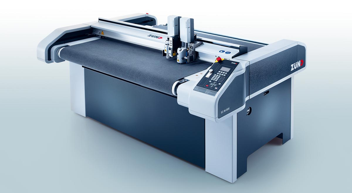 digital finishing equipment – The Zünd S3 digital cutter: fast, flexible and compact.